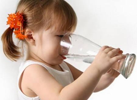 盛唐伟业净水器、婴幼儿喝水